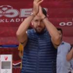 """Oduševljenje """"delija"""": Vasa Micić stigao u Pionir da bodri svoju Zvezdu (VIDEO)"""