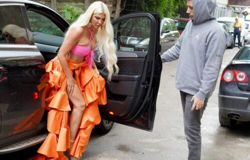 Jelena Karleuša u OPASNOJ haljini došla na snimanje Zvezda Granda: SEVNUO veš, ali to nije sve (VIDEO)