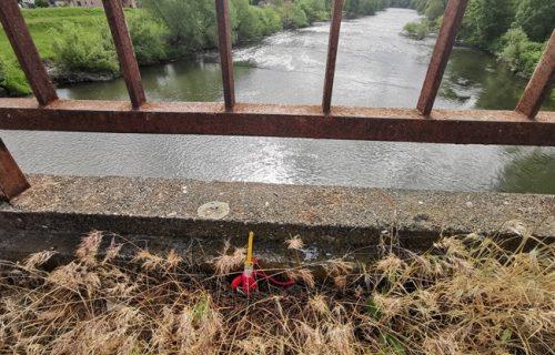 U Zapadnoj Moravi pronađeno TELO žene: Čačani u STRAHU zbog sveće umotane u crven konac (FOTO)