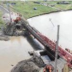 JEZIVE poplave nanele ogromnu ŠTETU Sibiru: Sve snage mobilisane na popravci urušenog mosta (VIDEO)