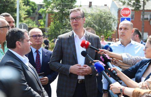 """Vučić o minimalcu: """"Pomažemo siromašnima, a NE UGROŽAVAMO biznis"""""""