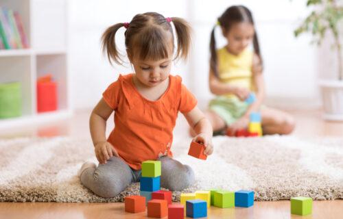 Levoruka deca ili dešnjaci: Istraživanja pokazuju ko je KREATIVNIJI i koja je glavna RAZLIKA između njih