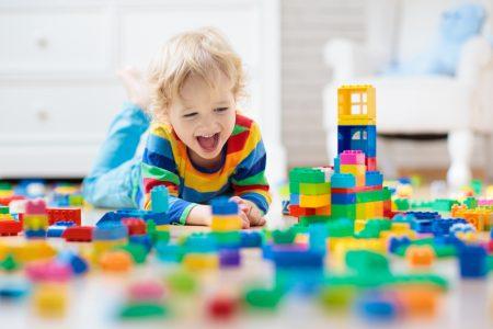 Na taj način gradi SOPSTVENI identitet: Zašto je bitno da dete ide u VRTIĆ?