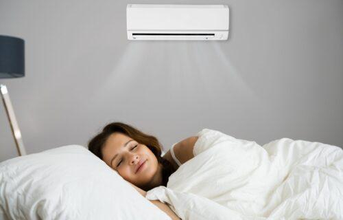 Stručnjaci upozoravaju: Evo zašto nikako NE SMETE da zaspite sa uključenim ventilatorom, ili KLIMOM