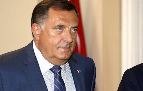 U Republici Srpskoj počelo potpisivanje peticije protiv Inckove SRAMNE odluke: Milorad Dodik prvi podržao
