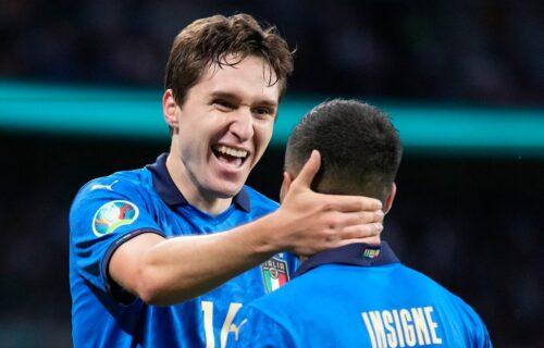 Prelepa slika sa Evropskog prvenstva: Insinje u dresu Spinacole proslavio prolaz Italije u finale! (FOTO)