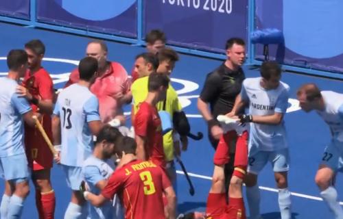 Strašan incident na Olimpijskim igrama: Argentinac štapom udario protivnika u glavu (VIDEO)