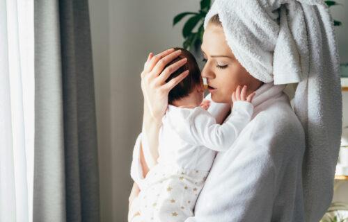 Važno je da bebama pevate USPAVANKE, ali evo kako će one uticati na VAS