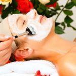 Izbegnite iritaciju kože: Pet najvećih grešaka koje žene prave sa maskama za lice
