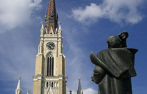 UŽAS u Novom Sadu: Kombi pokosio ženu na pešačkoj zoni kod katedrale - hospitalizovana u TEŠKOM stanju