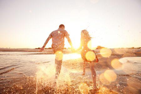 Horoskop za 14. jul: BLIZANCI bi morali da budu strpljiviji, dok bi RIBE trebalo da se vode srcem