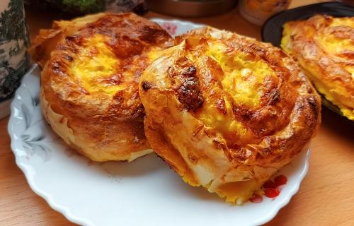 Miris koji OSVAJA: Puž prelivena PITA - doručak za sve generacije (RECEPT+VIDEO)
