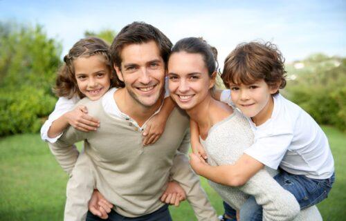 Ruski psiholog tvrdi: Samo žena od muškarca može da napravi savršenog muža i oca, i to na OVAJ način