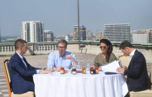 "Radni sastanak u Predsedništvu! Vučić saopštio dobre vesti: ""Doneli smo nove mere"" (FOTO)"