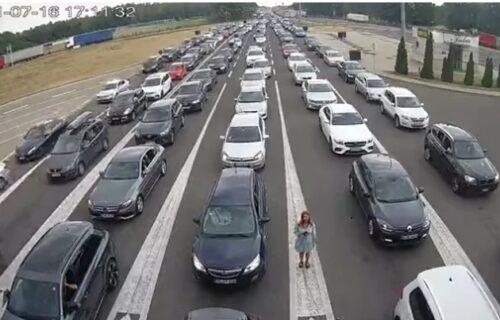 Kilometarske KOLONE na auto-putu: Na Horgošu se čeka po dva sata - evo gde su najveće GUŽVE