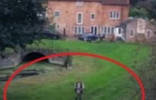 Dronom je TAJNO snimao dvorište svog komšije: Ono što je video, nikada neće ZABORAVITI (VIDEO)