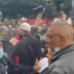 Ratno stanje na ulicama Pariza! Izbili masovni PROTESTI, policija baca suzavac na građane (VIDEO)