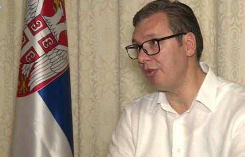 Vučić: Nećemo ostaviti Vranje na CEDILU, uradićemo sve što možemo da ima POSLA i to sa većim primanjima