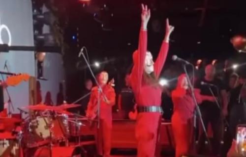 Nakon što je OPLJAČKANA, Severina uzvratila: Na binu izašla noseći OVO (VIDEO)