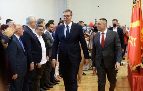 """Vučić na obeležavanju 13 godina postojanja Pokreta socijalista: """"Računamo na vas u budućnosti"""""""