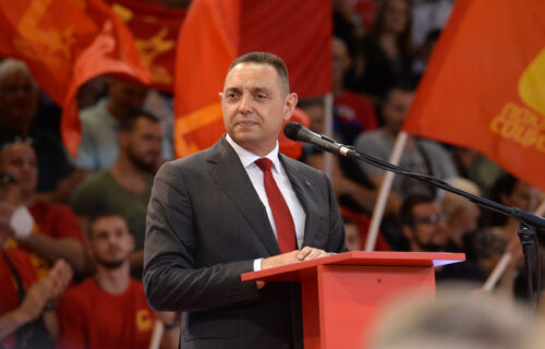 Ministar Vulin poslao JAKU poruku: Zahvaljujući Vučiću, Srbija se uspešno izborila sa migrantskom krizom
