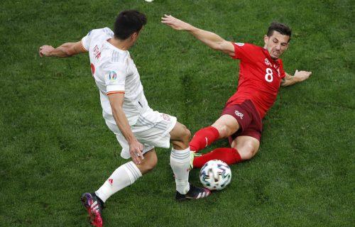 Sporan detalj obeležio četvrtfinale Eura: Da li je sudija ovde oštetio Švajcarsku? (VIDEO)