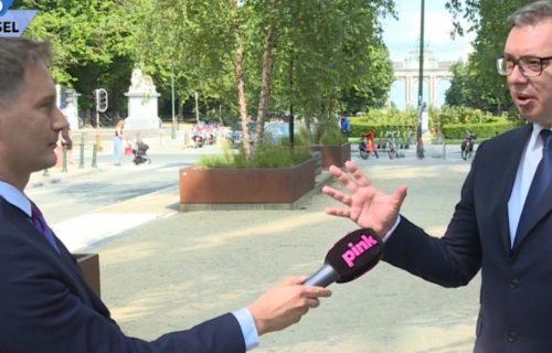 Upad u prenos iz Brisela: Srbin u limuzini prekinuo Vučića - ovakav gest predsednika niko nije očekivao
