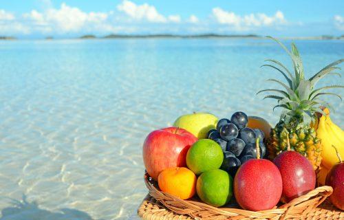 Štite kožu i smanjuju umor: Pet namirnica koje su idealne za UŽINU na plaži