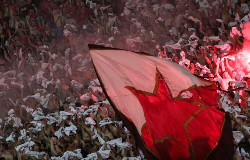 Crveno-beli karneval: Pogledajte koliko je Zvezdinih mališana došlo na Marakanu (VIDEO)