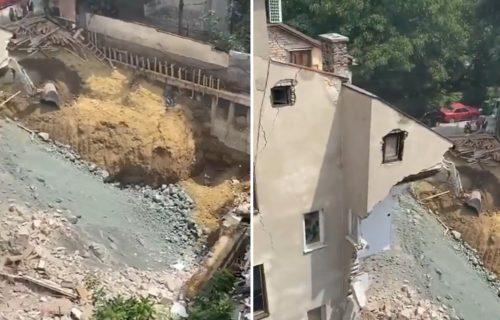HAOS na Vračaru: Jeziv snimak novog URUŠAVANJA zgrade u Vidovdanskoj (VIDEO)