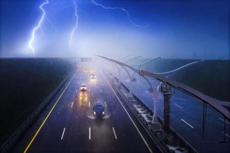 Šokantni prizori: Videli ste gromove kako udaraju po automobilima, a OVO su posledice (FOTO)