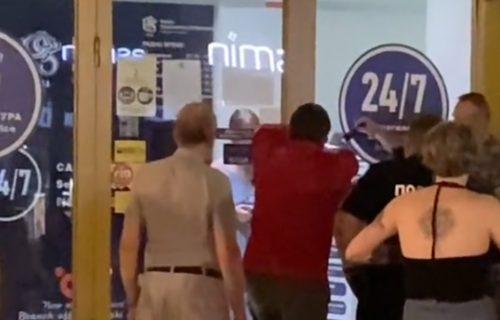 OBIJALI banku u centru Beograda: Otkriveno kako je žena ostala ZAROBLJENA kod bankomata (VIDEO)