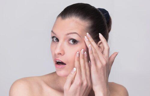 Želite da podmladite lice? Ovih pet stvari možete ODMAH da uradite