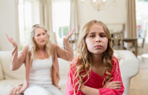 Tako ćete im UNIŠTITI samopouzdanje: Četiri stvari koje roditelji svakodnevno rade, a NISU dobre za decu