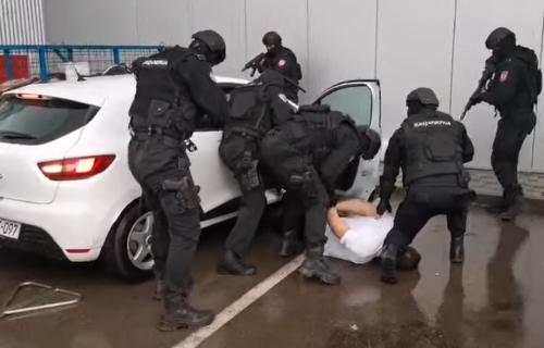 Pao ŠKALJARAC, dva inspektora i policajac: UHAPŠEN Miloš Božović u Banjaluci (VIDEO)