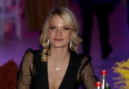 Naša glumica podelila NEODOLJIVU fotku sa sinčićem: Maleni se TOPI u maminom naručju (FOTO)