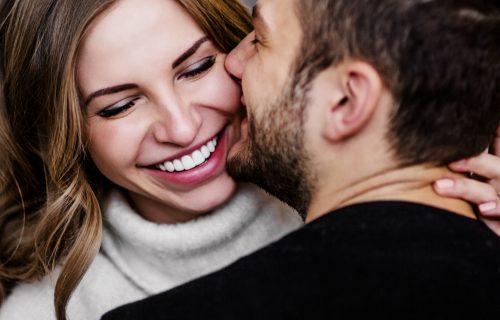 Mali gestovi koji MNOGO znače: Osam stvari koje će ODUŠEVITI muškarca sa kojim ste u vezi