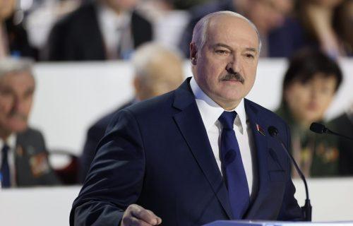 "Lukašenko IZNENADIO SVET: ""Vrlo brzo odlazim sa mesta predsednika"""