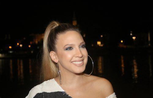 Ko je rekao da Milica Todorović ima PROBLEME sa kilažom: Pevačica se SKINULA i pokazala rezultate! (FOTO)
