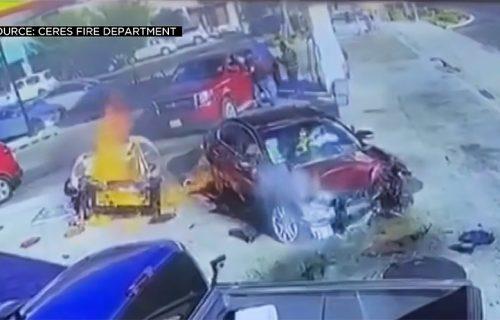 """Kolima razvalila benzinsku pumpu i """"poletela"""": Svedoci nesreće ugledali su DECU na zadnjem sedištu"""