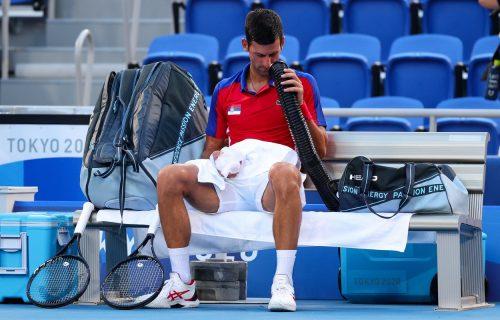 Nikada nismo videli ovakvog Novaka Đokovića: Srbin jedva disao posle pobede nad Fokinom! (FOTO)