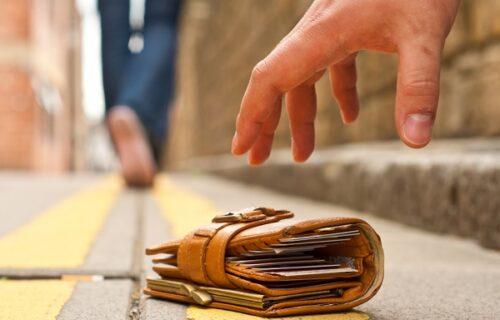 Bosanac u Belgiji pronašao na ulici novčanik PUN para: Njegova odluka zapanjila je mnoge