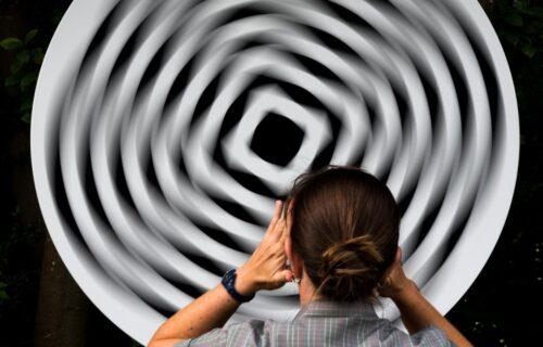 ZALUDEĆE vam mozak! Ova optička iluzija je HIT na internetu, ljudi ne veruju svojim očima (VIDEO)