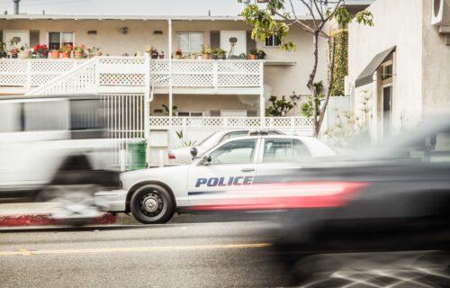"""""""Isekli"""" su patrolu i pokrenuli ŽESTOKU jurnjavu: Hapšenje je otkrilo njihove namere (VIDEO)"""