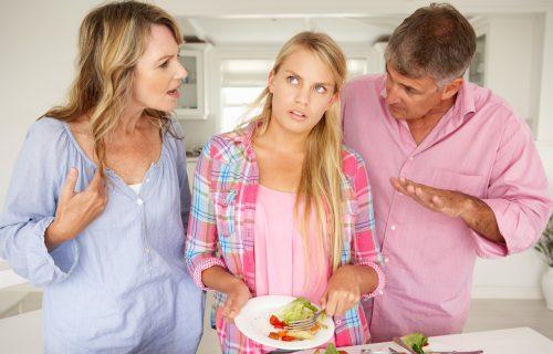 Pomoći će vam da imate BOLJI odnos: 10 pravila komunikacije roditelja sa tinejdžerima