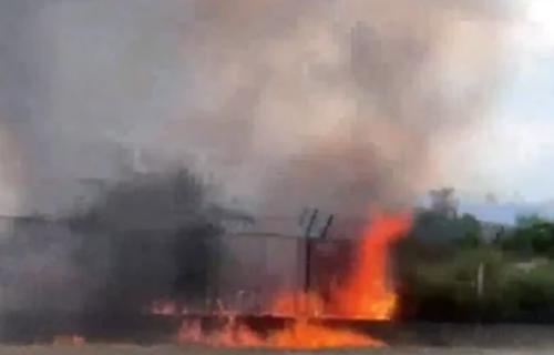 """GORI bivša fabrika """"Radoje Dakić"""" u Podgorici: Požar buknuo u napuštenom delu, nema povređenih"""