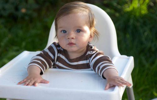 Zaštitite svoje DETE i boravite u prirodi bezbedno: Sedam najvećih letnjih OPASNOSTI po bebu