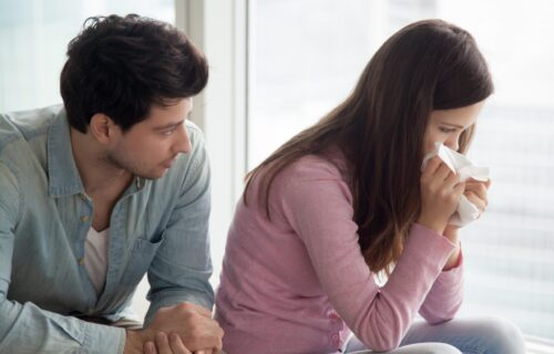 Bitno je da prepoznate emocionalne BLOKADE: Osam znakova da je vašoj bliskoj osobi potrebna POMOĆ