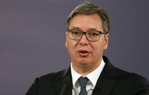 Đilasovi PREVARANTI! Pozvali se na staro saopštenje američke ambasade, pa LAŽNO optužili Vučića (FOTO)