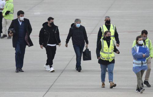 Mesi usred drame na aerodromu: Čovek sa bombom u koferu napravio ozbiljnu paniku! (FOTO)